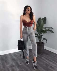 Catchy Summer Outfits To Impress Everyone summer outfits that will make you look absolutely stunning! - Catchy Summer Outfits To Impress Everyone Komplette Outfits, Cute Casual Outfits, Outfits For Teens, Spring Outfits, Stylish Outfits, Winter Outfits, Fashion Outfits, Work Outfits, Womens Fashion