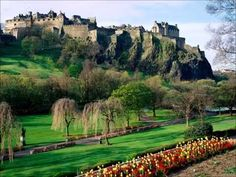 51 ideas travel ireland castles edinburgh scotland for 2019 Great Places To Travel, Usa Places To Visit, New Travel, London Travel, Spring Break Vacations, Castles In Ireland, Edinburgh Scotland, Road Trip Usa, Packing Tips For Travel