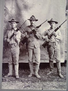 OLD SPANISH AMERICAN WAR PHOTOGRAPH OF 3 SOLDIERS