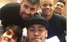 Piqué y Neymar ya están en Catar +http://brml.co/1zFuL0d