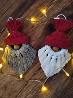 Crochet Christmas Decorations, Christmas Crochet Patterns, Christmas Ornament Crafts, Holiday Crafts, Homemade Christmas, Diy Christmas Gifts, Christmas Fun, Rope Crafts, Yarn Crafts