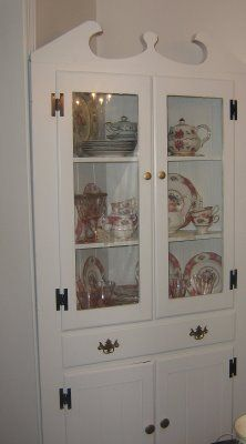 corner cupboard--perfect in a Shabby Chic room