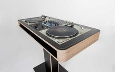 Stereo.T | Hoerboard – Pro Audio & DJ Furniture
