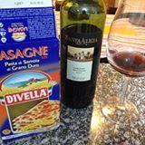Hoje é noite do patrão na cozinha... E o que vem por aí é especialidade! :) #lasagna #pasta #massa #vinho