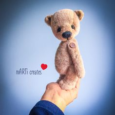 #teddybear Hand Stitching, Fiber Art, Art Dolls, Hand Knitting, Robin, Bear Hugs, Felt, Teddy Bear, Joy