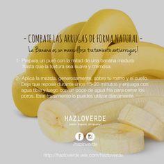 El plátano es rico en potasio, excelente para prevenir las arrugas y ayudar a minimizar las que ya existen. ¡La cascara del plátano también se utiliza! es rica en antioxidantes, minerales y vitaminas, las cuales a su vez tienen una gran cantidad de beneficios para la piel.  Para aliviar una picadura de insecto se frota una cáscara de plátano y calma la picazón, además ayuda a curar las heridas con mayor rapidez.