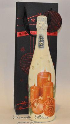 Новогоднее шампанское! Для заказа Вы можете написать мне в ЛС, позвонить по телефону 8(915)323-02-19 (viber, messenger, whatsapp)  #флорист_копылова_юлия #декор #новый_год #florist_kopilova_julia #делаемсами #декупаж #флористкопыловаюлия
