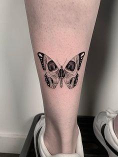 Red Ink Tattoos, Dope Tattoos, Pretty Tattoos, Mini Tattoos, Body Art Tattoos, Tattoos For Guys, Tattoos For Women, Tiny Skull Tattoos, Black Tattoos