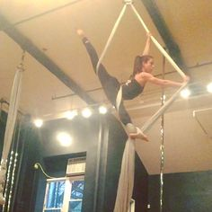 """Taught """"The Archer"""" in Level 2 silks today at Body and Pole! Level 1, you're next! @bodyandpole #silks #aerial #aerialist #aerialsilks #fabrics #tissue #circus #flexibility #girlswithmuscles #trapecista"""