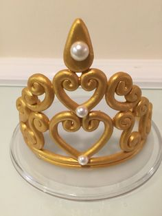 Cake top Tiara Cake, Crown Cake, Fondant Figures, Cake Toppings, Tiaras And Crowns, Custom Cakes, Wii, Cake Recipes, Biscuits