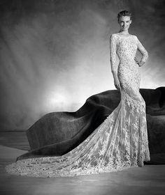 Navas - Mermaid wedding dress in lace, with three-quarter sleeves