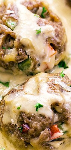 2 Easy Homemade Caramel Popcorn Recipes Philly Cheese Steak Meatballs - All The Deliciousness Of A Sandwich In One Bite Sized Ball. Served In A Sensational Cheese Sauce That Keeps You Coming Back For More. Meatball Recipes, Meat Recipes, Dinner Recipes, Cooking Recipes, Recipies, Popcorn Recipes, Paninis, How To Cook Steak, How To Cook Quinoa