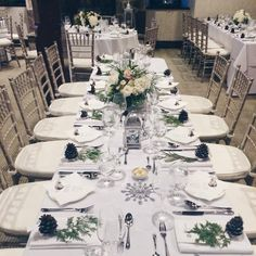 Table setting and floral centrepiece at a Winter Wonderland wedding #AncasterMill & Mantel and table setting at a Winter Wonderland wedding ...
