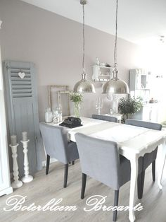 Dining in taupe, white and grey Dining Corner, Dinning Table, Dining Area, Vintage Western Decor, Home And Living, Living Room, Living Comedor, House Inside, Dining Room Inspiration