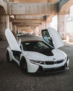Be the urban explorer. The Coupé. __ BMW Coupé: Energy consumption in k. Luxury Sports Cars, Top Luxury Cars, Cool Sports Cars, Sport Cars, Bmw I8, Vintage Jeep, Carros Bmw, High End Cars, Lux Cars