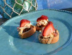 strawberry topped bacon and cheese crostini thepaintedapron.com