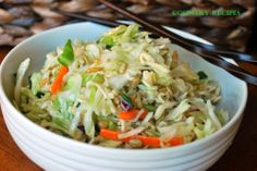 Chinese Coleslaw ~ The prepared coleslaw mix used in this recipe totally gets an upgrade thanks to the sunflower seeds, almonds, green onions, ramen noodles, and a pretty awesome dressing. Chinese Coleslaw, Asian Coleslaw, Coleslaw Mix, Asian Recipes, Healthy Recipes, Yummy Recipes, Copycat Recipes, Yummy Yummy, Drink Recipes