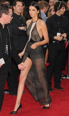 Kendall Jenner – 2014 American Music Awards in Los Angeles Kendall Jenner 2014, Kendall Jenner Outfits, Celebrity Outfits, Sexy Outfits, Sexy Dresses, Looks Black, Victoria Secret Fashion Show, Hot Dress, Beautiful Legs