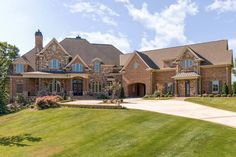 Luxury House Plans, Luxury Homes Dream Houses, Dream House Plans, House Floor Plans, European House Plans, Luxury Dining Room, Luxury Rooms, Luxury Apartments, Dining Rooms