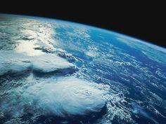 Veja o planeta Terra ao vivo como se você estivesse no espaço!