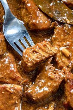 Wilkuchnia - Blog kulinarny z szybkimi, prostymi i sprawdzonymi przepisami. Dużo dobrego jedzenia: przekąski, ciasta, dania wege, fit desery i triki kulinarne. Meat Appetizers, Appetizer Recipes, Kitchen Recipes, Cooking Recipes, Weird Food, Food Goals, Pork Recipes, Healthy Dinner Recipes, Food Inspiration