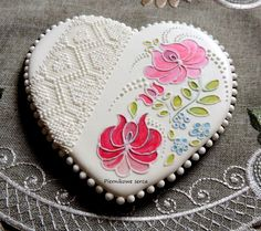 Inspired by Edith Mézes; Lace Cookies, Pink Cookies, Galletas Cookies, Flower Cookies, Heart Cookies, Valentine Cookies, Royal Icing Cookies, Cupcake Cookies, Sugar Cookies