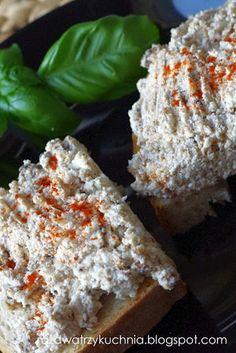 Pasta szprotkowo-serowa, czyli szybki sposób na sniadanie. - przepisy.net