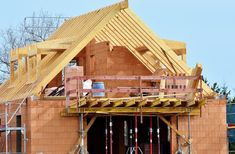 Iron Star Services is a renowned Roofing, Remodeling & Construction Company in Lubbock TX. We offer residential & commercial construction services. Residential Construction, New Home Construction, Construction Services, Service A Domicile, Terrain Constructible, Circle House, Double Vitrage, Remodeling Companies, Real Estate Articles