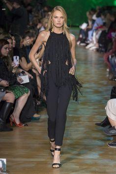 Elie Saab Spring 2018 Ready-to-Wear  Fashion Show - Romee Strijd