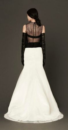 Vera Wang 'Mira' wedding dress, available in select Nordstrom Wedding Suites