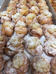 Pretzel Bites, Sweets, Bread, Food, Sweet Pastries, Goodies, Essen, Breads, Baking