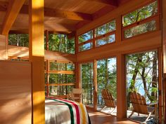 Beautiful simple cabin by my architect friend Mark Osburn and his firm Osburn Clarke. Via Adventure Journal. I heard another architect say lately that the cabin form is the vernacular architecture … Cabin Design, House Design, Cedar Cabin, Cedar Deck, Off Grid Cabin, Guest Cabin, Lake Cabins, Tiny Cabins, Little Cabin