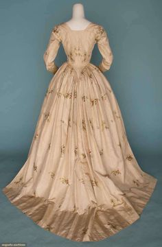 Augusta Auctions Silk dress 1770's 1790's