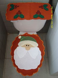 Juego de Baño Santa Unique Christmas Decorations, Felt Christmas Ornaments, Christmas Crafts, Holiday Decor, Christmas 2016, Christmas Time, Hobbies And Crafts, Diy And Crafts, Christmas Bathroom Sets