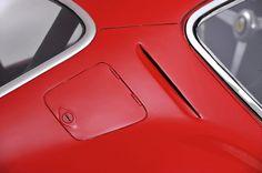 Ferrari 250 GTO - Photos, History, Profile