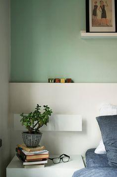 Obs : couleur du mur, vert d'eau et soubassement pour structurer l'espace en blanc