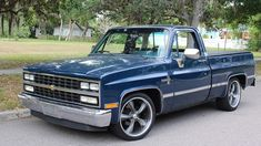1986 Chevrolet Pickup presented as Lot at Kissimmee, FL 1986 Chevy Truck, Chevy Trucks Older, Chevy Pickup Trucks, Classic Chevy Trucks, Lifted Chevy, Classic Cars, Chevy Stepside, Chevy Pickups, Chevy Silverado