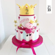 Peppa Pig eppa This halloween will be our favorite pre-school social gathering themes or templates, Peppa Pig Birthday Cake, Birthday Cake Girls, 2nd Birthday, Birthday Parties, Picnic Parties, Bolo George Pig, Peppa Pig Y George, Bolo Fake Peppa, Tortas Peppa Pig