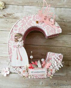 Comunión Fancy Letters, Diy Letters, Letter A Crafts, Wooden Letters, Letter Art, Princesse Party, Princess Canvas, Baptism Banner, Initial Art