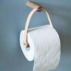 Toiletrolhouder van leer en eikenhout van ByWirth