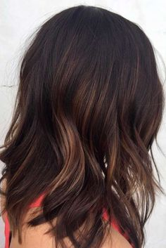 Brunette Layered Hai