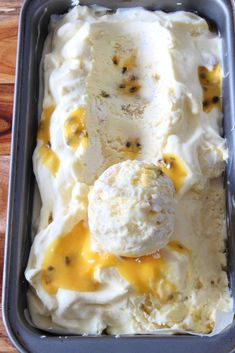 Passionsfrucht-Baiser-Eis {No-Churn} - Desserts easy Ice Cream Desserts, Frozen Desserts, Ice Cream Recipes, Cheesecake Ice Cream, Delicious Desserts, Dessert Recipes, Yummy Food, Cupcake Recipes, Cookie Recipes