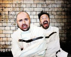 Karl Pilkington and Ricky Gervais. Haha, yes, please make an episode like this. This is exactly what kind of expressions they would have in this actual situation. Warwick Davis, Karl Pilkington, Ricky Gervais, After Life, Funny People, Funny Guys, Movie Photo, Man Humor, Beautiful Men