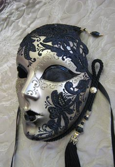 Maschere Veneziane - Venetian Masks Venetian Masquerade Masks, Masquerade Ball, Harlequin Mask, Venitian Mask, Mask Face Paint, Art Costume, Costumes, Venice Mask, Beautiful Mask