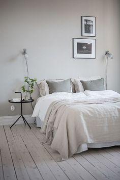 23 Modern Interior Design: 23 Awesome & Elegance Scandinavian Bedroom D. Modern Master Bedroom, Minimalist Bedroom, Taupe Bedroom, Trendy Bedroom, Scandinavian Bedroom, Scandinavian Style, Scandinavian Furniture, Luxurious Bedrooms, Modern Interior Design