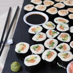 Paleo Sushi, Low Carb Sushi, Healthy Sushi Rolls, Quinoa Sushi, Keto Snacks, Healthy Snacks, Sushi Roll Recipes, Dessert Sushi, Low Carb Recipes