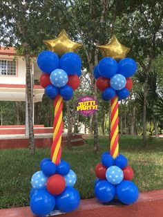 Súper héroes decoración con globos, Super heros balloons decorations, Wonder woman Party ideas, Wonder woman birthday Party balloons decorations, mujer maravilla decoración con globos