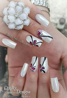 Nail art Christmas - the festive spirit on the nails. Over 70 creative ideas and tutorials - My Nails Orange Nail Designs, New Nail Designs, Flower Nail Designs, Simple Nail Designs, Fancy Nails, Trendy Nails, My Nails, Sparkle Nails, Nail Designs Pictures