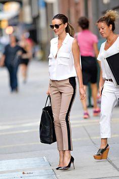 La modelo tiene un estilo femenino y chic que nos encanta, así que no dejes de inspirarte en ella para armar tus outfits.