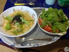 今日のお昼、サラダは水菜、ルッコラ、フリルレタス、ベビーリーフ、もちろん全て、さんいちファーム産、いずれも美味しいね。後は彩りにトマトをそえて、パスタにも、ベビーリーフをちらしてみました!! by mikki813rabbit, via Flickr